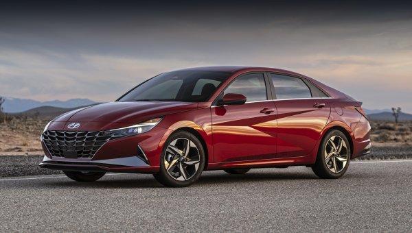 Лучшая работа над ошибками: Новая Hyundai Elantra покорит российский рынок своей красой