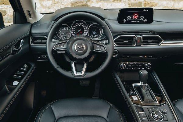 «Заботливые бракоделы»: Автомобилям Mazda CX-5 грозит «слепота» — владельцы обеспокоены