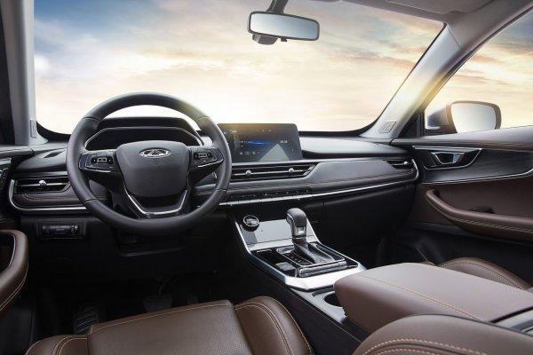 «Держит скорость, как утюг»: Chery Tiggo 8 вызвал спорные решения среди автолюбителей