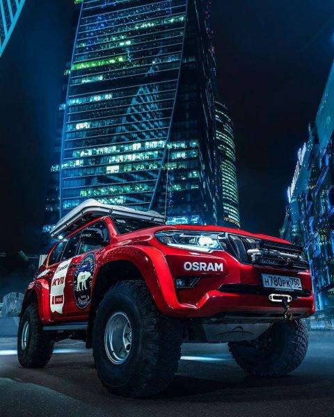 «Даже не верится, что это фото» – Подготовленный Toyota LC Prado Arctic Trucks «взорвал» сеть экипировкой